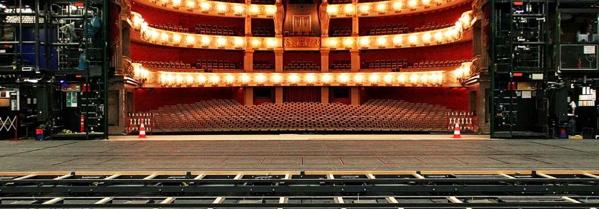 Radio data transmission in stage technology: Bavarian State Opera