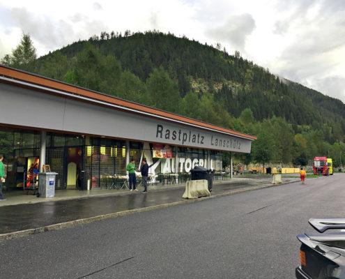 Funksysteme für Autobahnanlagen: Rastplatz mit Cloud Connectivity